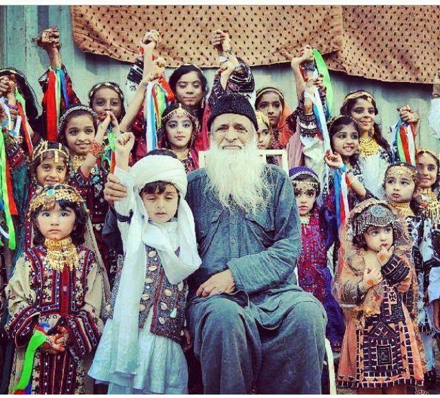 Abdul Sattar Edhi enjoying with the children