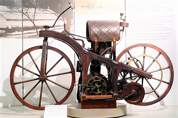 Aug. 30, 1885 Daimler Gives World First 'True' Motorcycle