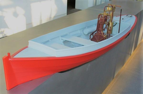 Daimler 1885 Engine in a boat