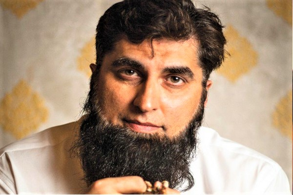 Junaid Jamshed's image after Joining Tableegh-e-Islamic